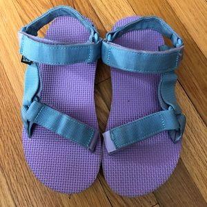 Kids' Size 3, Teva Velcro Sandals. Purple/blue.